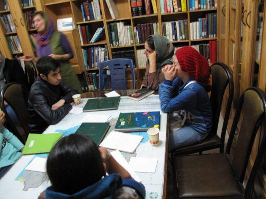 IMG_0303-533x400 سومين جلسه شوراى مشورتى نوجوانان فرهنگنامه در سال ١٣٩٧