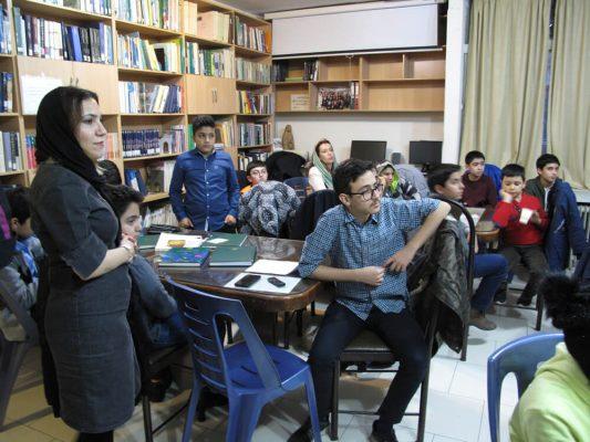 IMG_0305-533x400 سومين جلسه شوراى مشورتى نوجوانان فرهنگنامه در سال ١٣٩٧